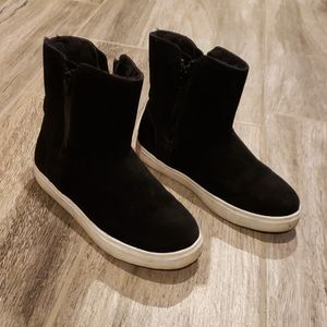 Girls Steve Madden fur lined sneakers